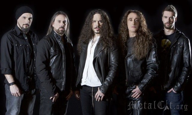 RHAPSODY OF FIRE: трек Knightrider Of Doom в сети