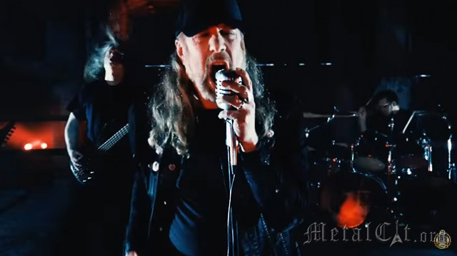 AT THE GATES –смотрите видеоклип 'To Drink From The Night Itself'
